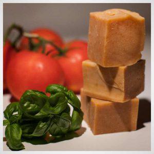 Mydło pomidorowe Savon Cosmetics naturalne i krojone ręcznie z pomidora i bazylii
